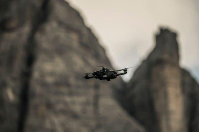 Mantis Q flying